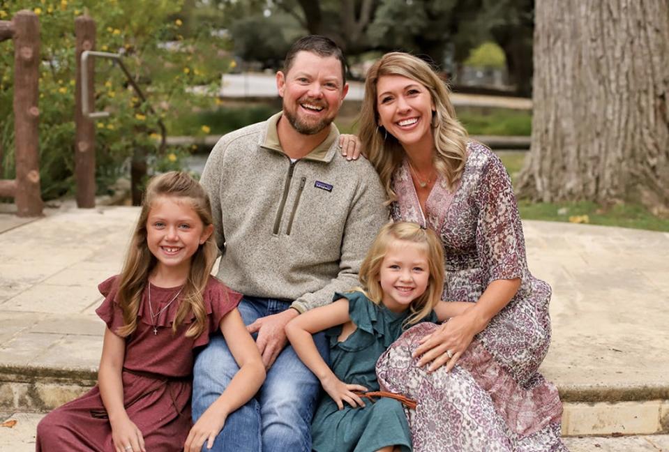 Yard Card Queen Lawn Sign Rentals New Braunfels Texas